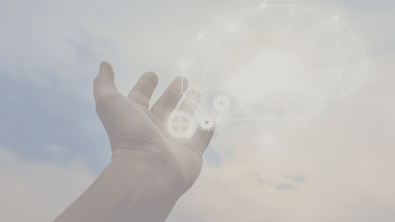 innovation -hand som sträcker sig mot himlen